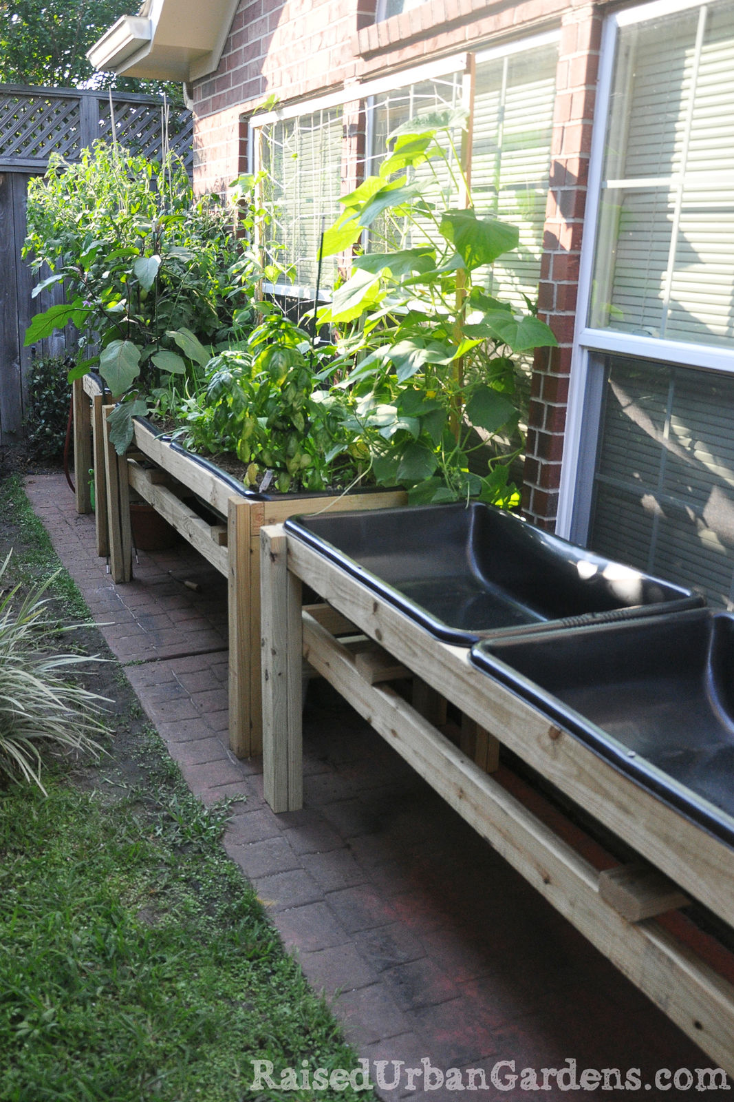 A Raised Garden For A Friend Small Spaces Work Raised Urban Gardens
